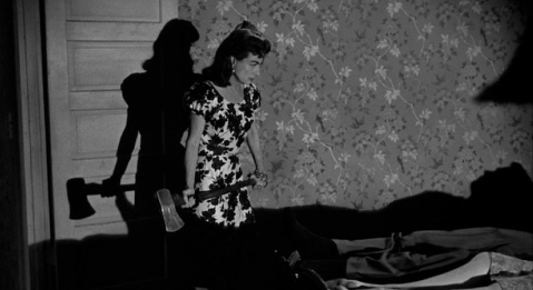 Strong shadows feature prominently in the murder scenes.