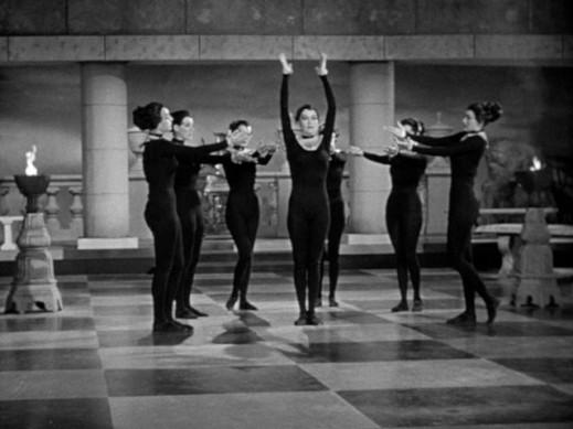 catwomen_dance